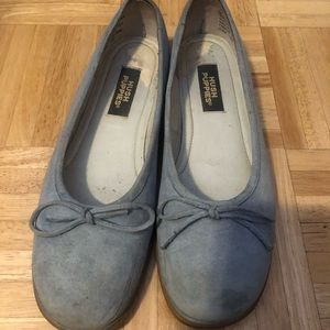 Powder Blue Leather Hush Puppies, Small Heel sz 7